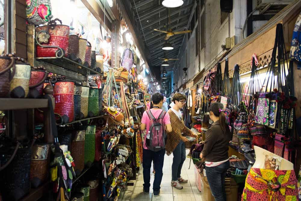 El Night Bazar en Chiang Mai